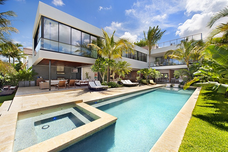Mansions for Rent in Miami