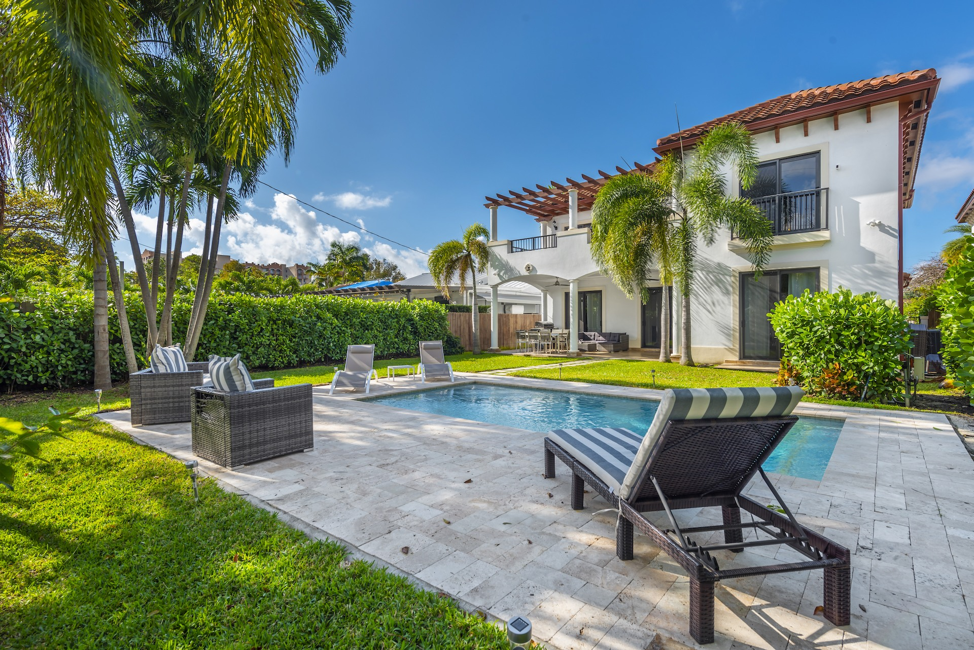 Mansion & Villa Rentals Miami, FL